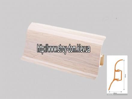 Плинтус 'Plint' AM60 — 08 с кабель-каналом глянцевый клён светлый