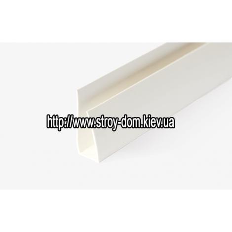 Фото - Профиль ПВХ стартовая полоса белая ( 3 м.п. )