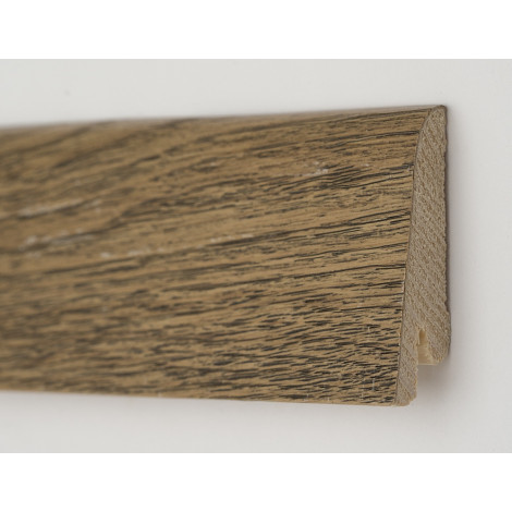 Фото - Плинтус деревянный шпонированный Kluchuk Рустик Дуб античный 60х19х2200 Коричневый KLR6009