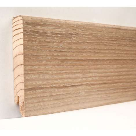 Фото - Плинтус деревянный шпонированный Kluchuk Модерн Дуб патина 80х18х2400 Светло коричневый KLM8003