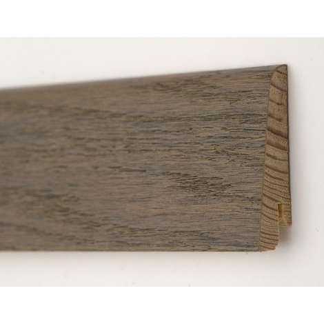 Фото - Плинтус деревянный шпонированный Kluchuk Евро Дуб Полярный 60х18х2400 Коричнево серый KLE6014