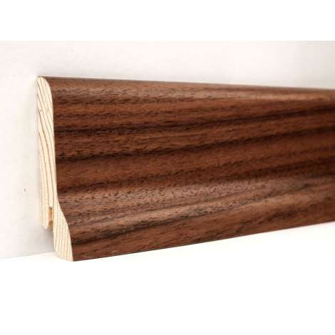 Фото - Плинтус деревянный шпонированный Kluchuk Классика Орех американский 60х21х2400 Коричневый KLK6006